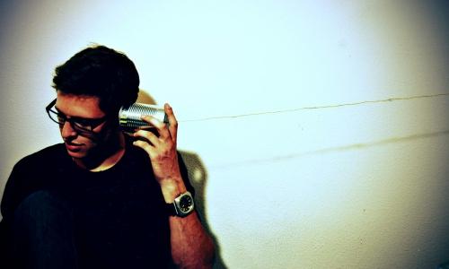 Az őszinte hallgatás sebezhető